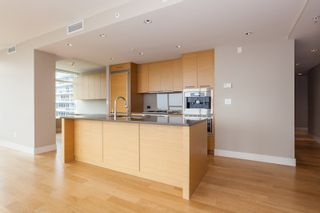 "Photo 6: 502 1473 JOHNSTON Road: White Rock Condo for sale in ""Miramar Tower B"" (South Surrey White Rock)  : MLS®# R2193072"
