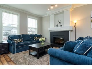 Photo 3: 21146 80A AVENUE in Langley: Willoughby Heights Condo for sale : MLS®# R2117701