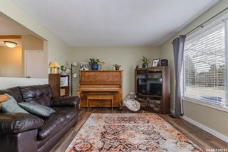 Photo 2: 618 1st Street South in Martensville: Residential for sale : MLS®# SK852334