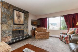 Photo 6: 4389 Columbia Dr in VICTORIA: SE Gordon Head House for sale (Saanich East)  : MLS®# 813897