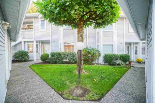 """Photo 16: 403 9119 154 Street in Surrey: Fleetwood Tynehead Townhouse for sale in """"LEXINGTON SQUARE"""" : MLS®# R2409703"""