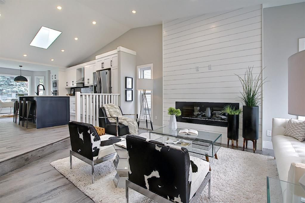 Photo 3: Photos: 12 Scenic Glen Gate NW in Calgary: Scenic Acres Detached for sale : MLS®# A1131120
