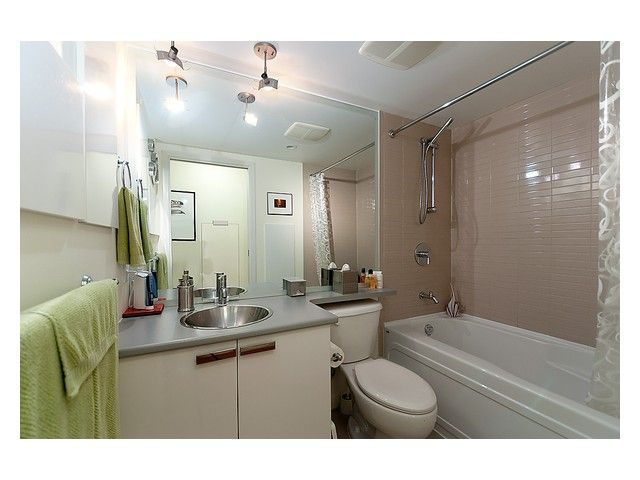 """Photo 5: Photos: # 706 111 W GEORGIA ST in Vancouver: Downtown VW Condo for sale in """"111 WEST GEORGIA"""" (Vancouver West)  : MLS®# V911690"""