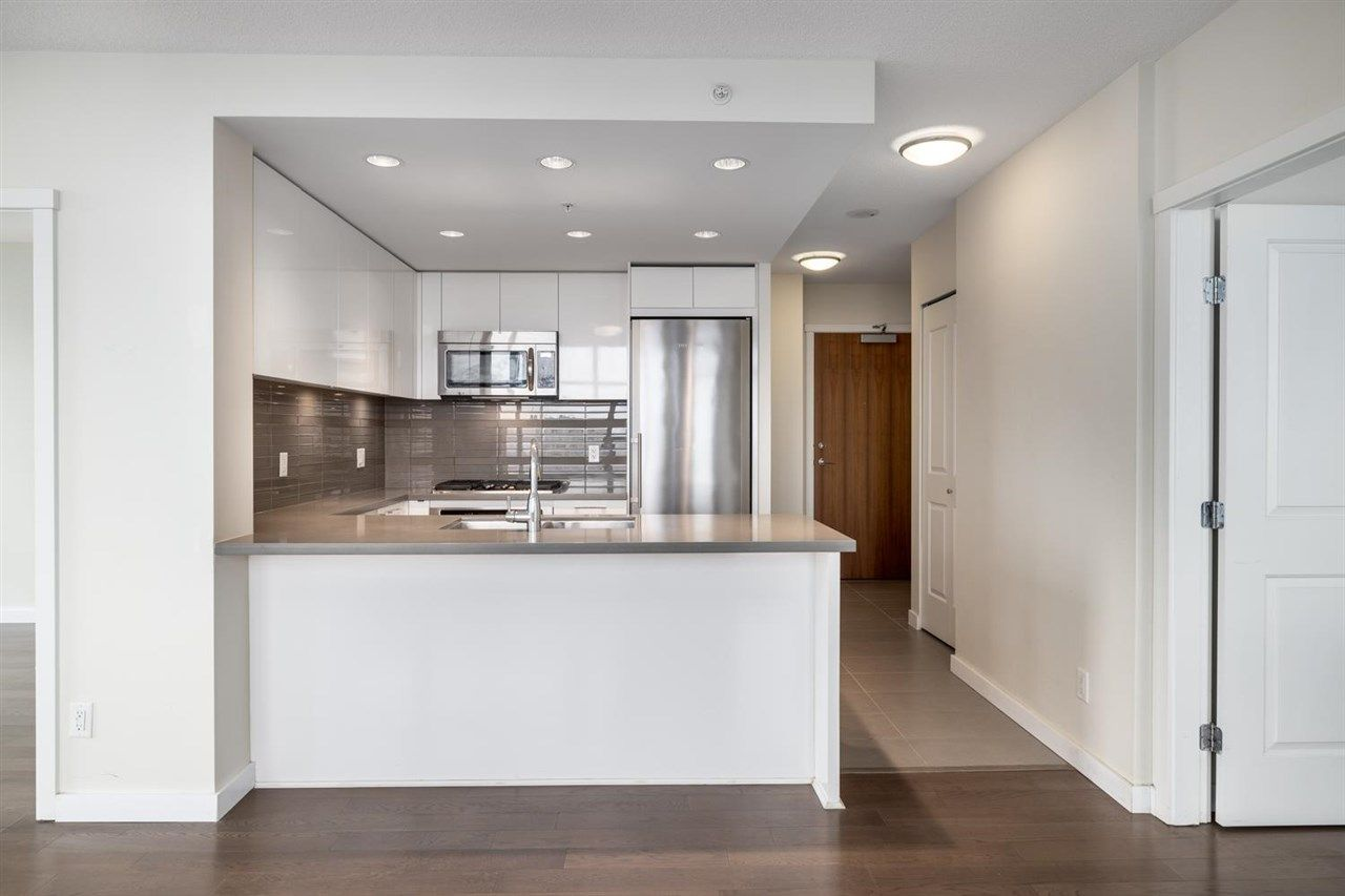 """Main Photo: 2806 4880 BENNETT Street in Burnaby: Metrotown Condo for sale in """"CHANCELLOR"""" (Burnaby South)  : MLS®# R2579804"""