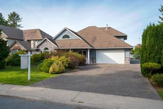 Photo 1: 5543 GROVE Avenue in Delta: Hawthorne House for sale (Ladner)  : MLS®# R2617603