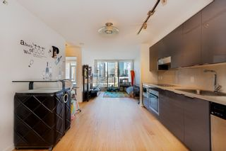 """Photo 3: 1809 161 W GEORGIA Street in Vancouver: Downtown VW Condo for sale in """"COSMO"""" (Vancouver West)  : MLS®# R2624966"""