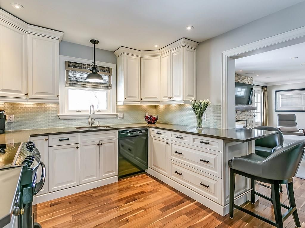 Photo 9: Photos: 569 WOODLAND Avenue in Burlington: Residential for sale : MLS®# H4047496