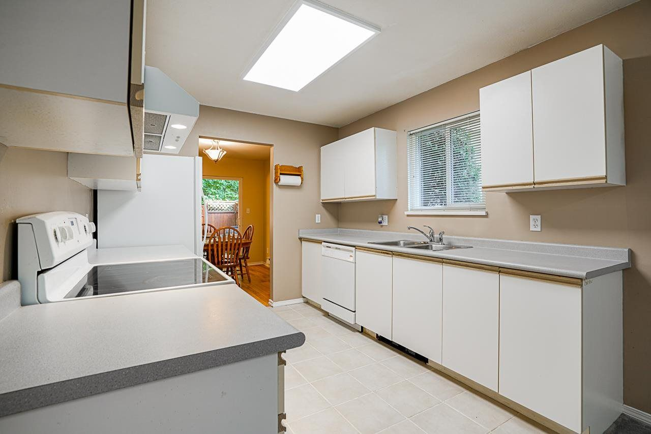 """Photo 9: Photos: 48 36060 OLD YALE Road in Abbotsford: Abbotsford East Townhouse for sale in """"Mountain View Village"""" : MLS®# R2586333"""