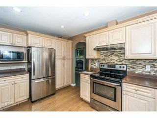 Photo 3: 4132 BELANGER Drive in Abbotsford: Abbotsford East House for sale : MLS®# R2294976
