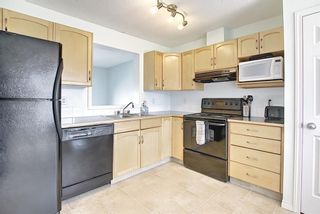 Photo 16: 28 Everhollow Way SW in Calgary: Evergreen Row/Townhouse for sale : MLS®# A1122910