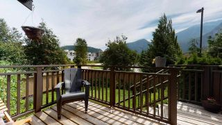 """Photo 9: 1282 STONEMOUNT Place in Squamish: Downtown SQ Townhouse for sale in """"Streams at Eaglewind"""" : MLS®# R2481347"""