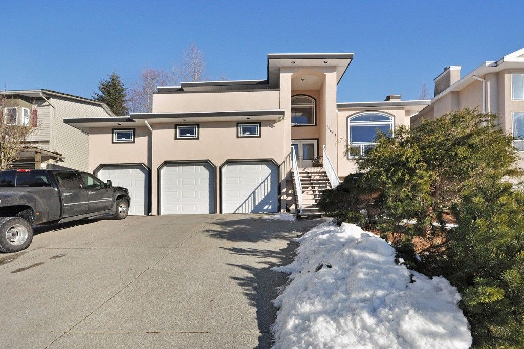 Main Photo: 35681 TIMBERLANE Drive in Abbotsford: Abbotsford East House for sale : MLS®# R2130562