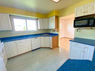 Photo 3: 11307 93 Street in Fort St. John: Fort St. John - City NE House for sale (Fort St. John (Zone 60))  : MLS®# R2496656