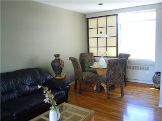 """Photo 3: 411 1975 PENDRELL Street in Vancouver: Downtown VW Condo for sale in """"PARKWOOD MANOR"""" (Vancouver West)  : MLS®# V848532"""