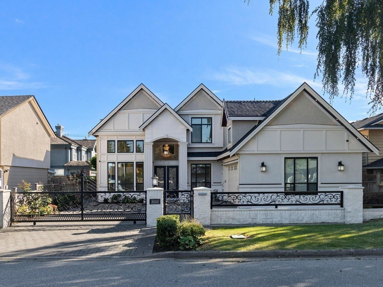 Main Photo: 8220 ROSEBANK Crescent in Richmond: South Arm House for sale : MLS®# R2615703