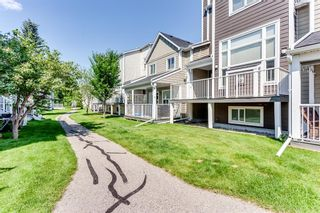 Photo 2: 78 Inglewood Point SE in Calgary: Inglewood Row/Townhouse for sale : MLS®# A1130437