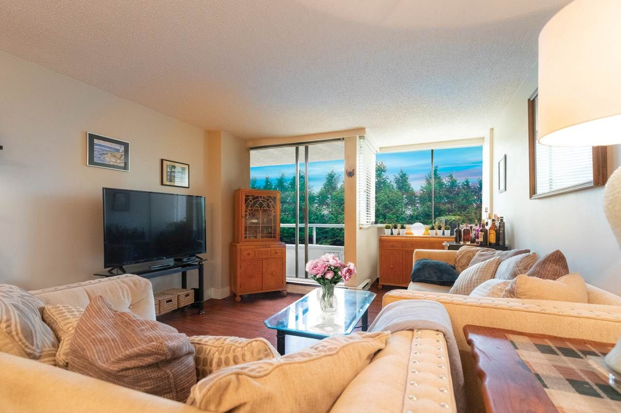"""Photo 5: Photos: 505 3970 CARRIGAN Court in Burnaby: Government Road Condo for sale in """"THE HARRINGTON"""" (Burnaby North)  : MLS®# R2499322"""