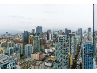 Photo 2: 4202 1372 SEYMOUR STREET in Vancouver: Downtown VW Condo for sale (Vancouver West)  : MLS®# R2003473