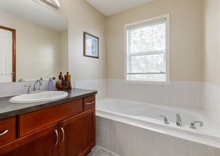 Photo 18: 20 Everridge Road SW in Calgary: Evergreen Detached for sale : MLS®# A1121337