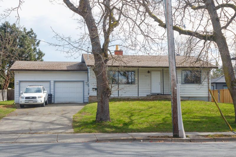 FEATURED LISTING: 4075 Tyndall Ave
