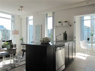 """Photo 10: 1807 1001 HOMER Street in Vancouver: Yaletown Condo for sale in """"The Bentley"""" (Vancouver West)  : MLS®# V1076353"""