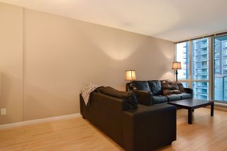 """Photo 4: 3203 9981 WHALLEY Boulevard in Surrey: Whalley Condo for sale in """"PARK PLACE II"""" (North Surrey)  : MLS®# R2327645"""