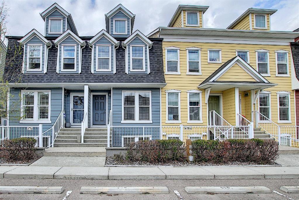 Main Photo: 525 Mckenzie Towne Close SE in Calgary: McKenzie Towne Row/Townhouse for sale : MLS®# A1107217