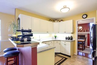 "Photo 7: 6 8855 212 Street in Langley: Walnut Grove Townhouse for sale in ""GOLDEN RIDGE"" : MLS®# R2549448"