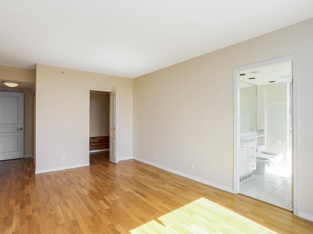 """Photo 9: Photos: 1704 5775 HAMPTON Place in Vancouver: University VW Condo for sale in """"CHATHAM"""" (Vancouver West)  : MLS®# R2196974"""