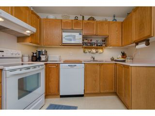 """Photo 2: 307 45504 MCINTOSH Drive in Chilliwack: Chilliwack W Young-Well Condo for sale in """"VISTA VIEW"""" : MLS®# R2264583"""