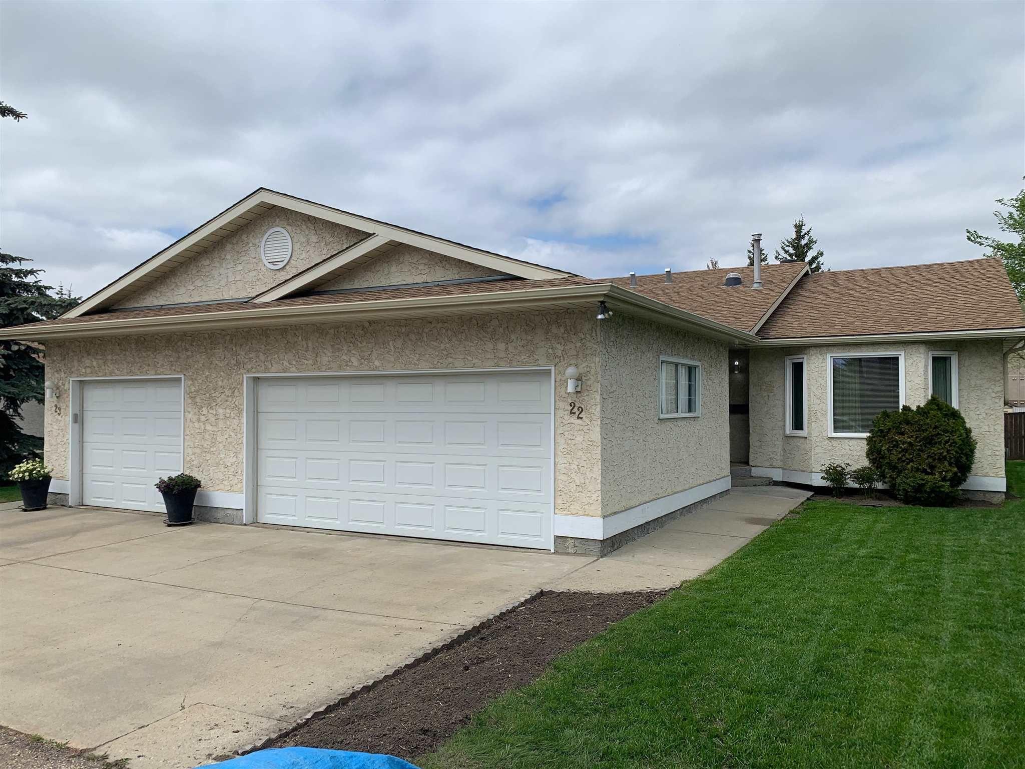 Main Photo: 9375 172 Street in Edmonton: Zone 20 House Half Duplex for sale : MLS®# E4246345