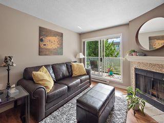 Photo 11: 305 2520 Wark St in Victoria: Vi Hillside Condo for sale : MLS®# 845266