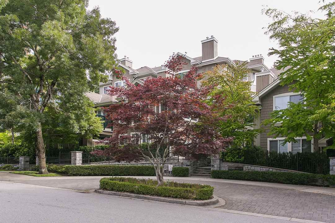 """Main Photo: 22 5605 HAMPTON Place in Vancouver: University VW Townhouse for sale in """"THE PEMBERLEY"""" (Vancouver West)  : MLS®# R2121869"""
