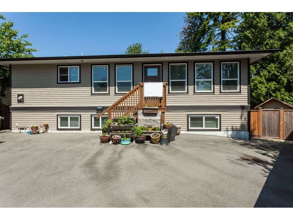 Main Photo: 5073 205 Street in Langley: Langley City House for sale : MLS®# R2371444
