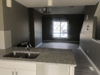 Photo 3: 15 13003 132 Avenue NW in Edmonton: Zone 01 Townhouse for sale : MLS®# E4235057