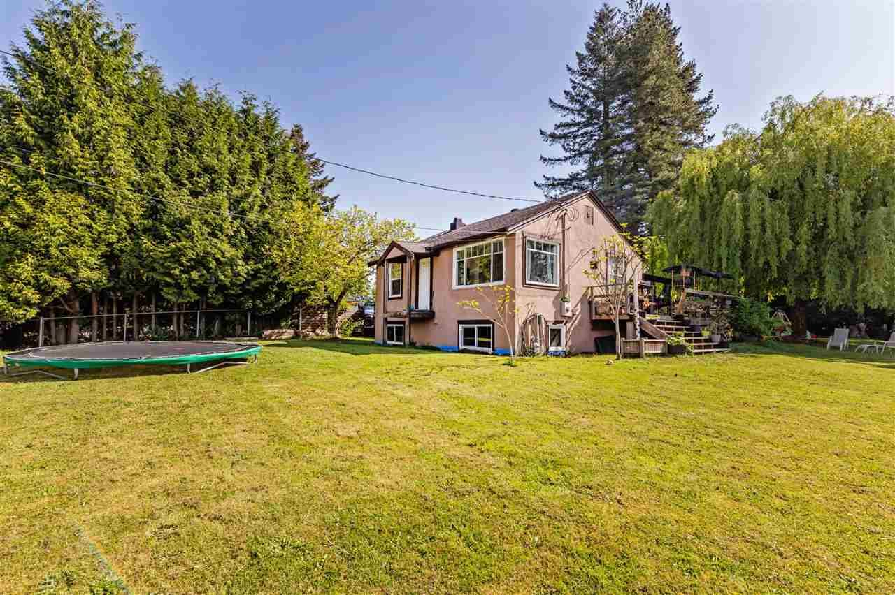 Main Photo: 8042 CEDAR Street in Mission: Mission BC House for sale : MLS®# R2579765