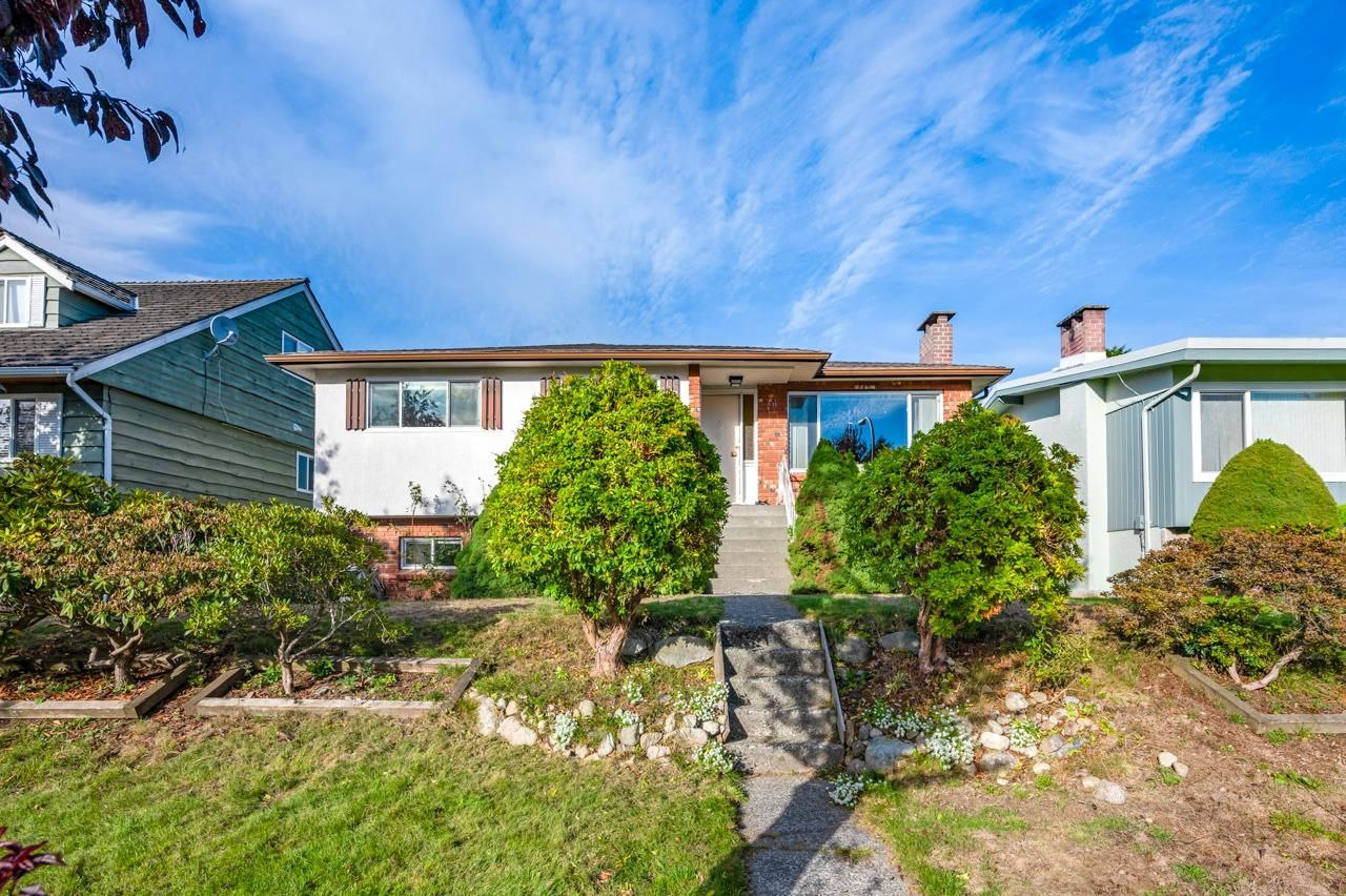 Main Photo: 7264 ELMHURST Drive in Vancouver: Fraserview VE House for sale (Vancouver East)  : MLS®# R2620406