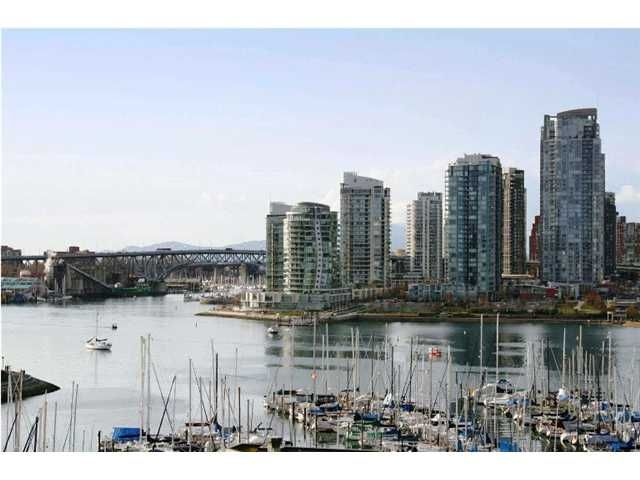 """Main Photo: 1003 522 MOBERLY Road in Vancouver: False Creek Condo for sale in """"DISCOVERY QUAY"""" (Vancouver West)  : MLS®# V873931"""