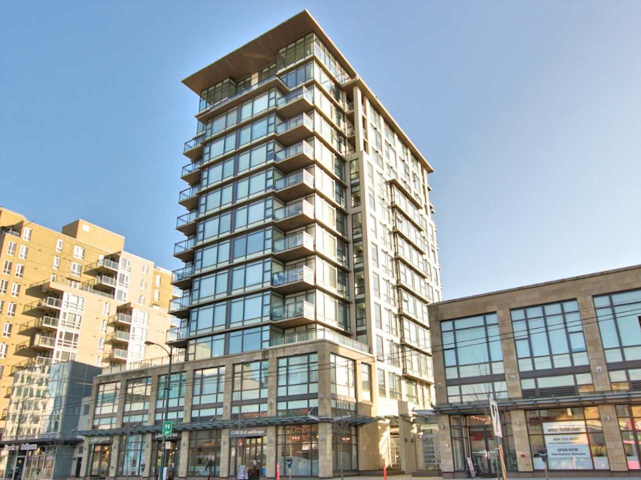 """Main Photo: 209 1068 W BROADWAY in Vancouver: Fairview VW Condo for sale in """"THE ZONE"""" (Vancouver West)  : MLS®# R2019129"""