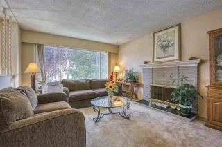 Photo 8: 15815 THRIFT Avenue: White Rock House for sale (South Surrey White Rock)  : MLS®# R2480910