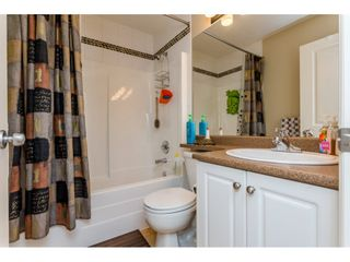 """Photo 13: 37 7168 179 Street in Surrey: Cloverdale BC Townhouse for sale in """"OVATION"""" (Cloverdale)  : MLS®# R2081705"""