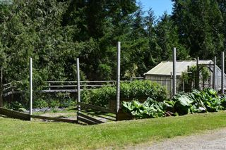 Photo 14: 5410 Hooson Rd in PENDER ISLAND: GI Pender Island House for sale (Gulf Islands)  : MLS®# 762837