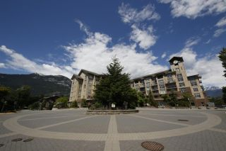"""Photo 15: 318 1211 VILLAGE GREEN Way in Squamish: Downtown SQ Condo for sale in """"ROCKCLIFF AT EAGLEWIND"""" : MLS®# R2372303"""