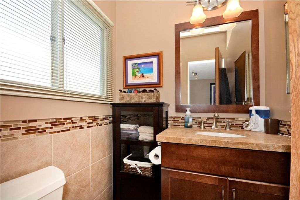 Photo 16: Photos: 3148 BREEN Crescent NW in Calgary: Brentwood House for sale : MLS®# C4121729