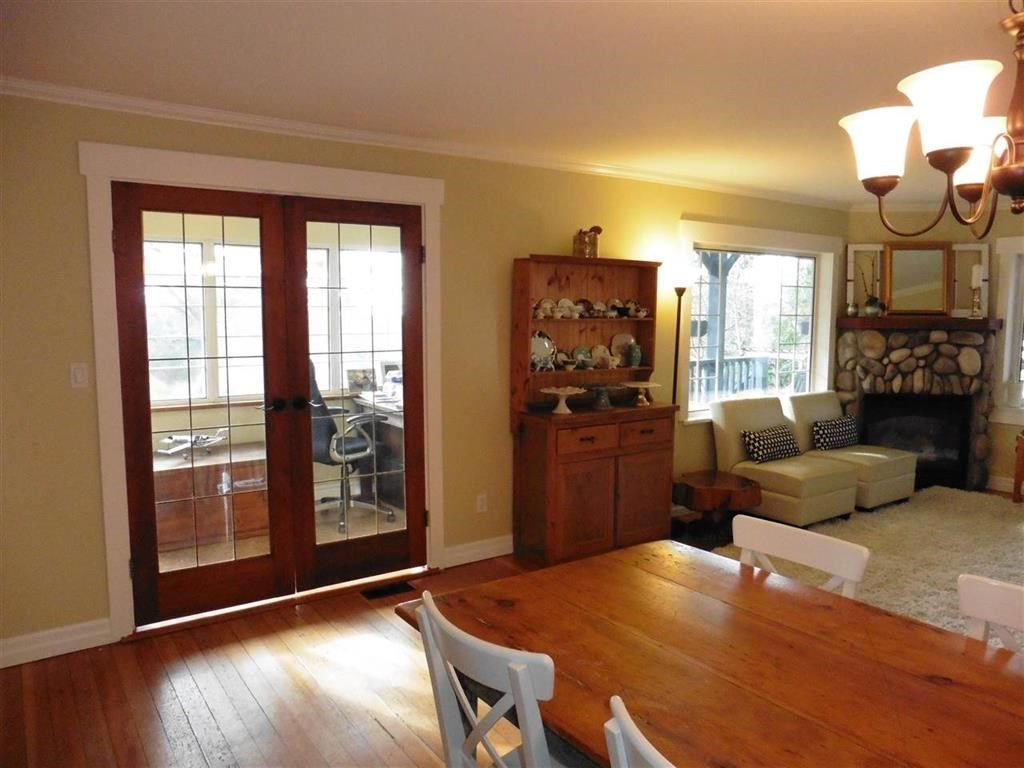 Photo 5: Photos: 16045 9 Avenue in Surrey: King George Corridor House for sale (South Surrey White Rock)  : MLS®# R2149917