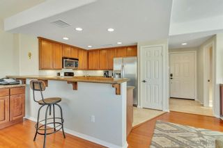 Photo 7: PACIFIC BEACH Condo for sale : 2 bedrooms : 1605 Emerald St in San Diego