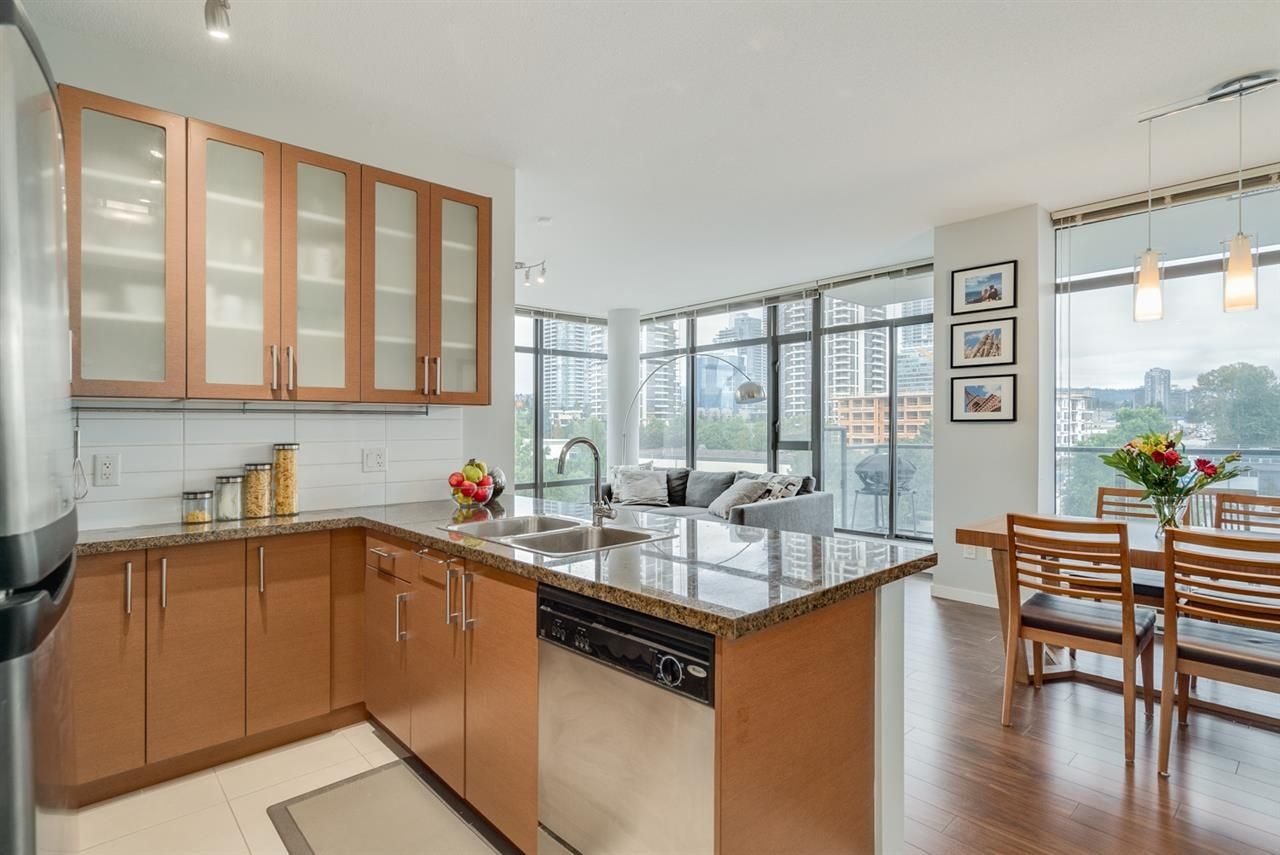 """Photo 6: Photos: 603 4250 DAWSON Street in Burnaby: Brentwood Park Condo for sale in """"OMA 2"""" (Burnaby North)  : MLS®# R2212990"""