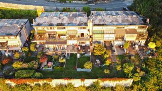 Photo 17: 430 CROSSCREEK Road: Lions Bay Townhouse for sale (West Vancouver)  : MLS®# R2504347