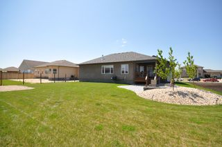 Photo 2: 31 Sage Place in Oakbank: Residential for sale : MLS®# 1112656