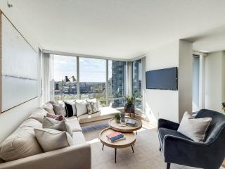"""Photo 3: 902 1495 RICHARDS Street in Vancouver: Yaletown Condo for sale in """"AZURA II"""" (Vancouver West)  : MLS®# R2570710"""